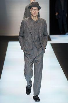 See the complete Giorgio Armani Fall 2016 Menswear collection.