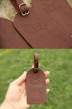 Tags de Mala com seu logo! Passport