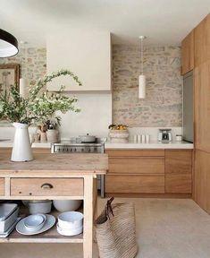47 Beautiful Wooden Kitchen Cupboards Design Ideas For Comfortable Kitchen Wooden Kitchen, Kitchen Paint, Home Decor Kitchen, Rustic Kitchen, Interior Design Kitchen, Home Kitchens, Kitchen Ideas, Modern Interior, Kitchen Planning