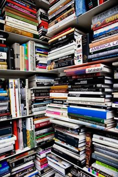 Karl Lagerfeld at his Atelier in Paris. Books Books Books « the selby Karl Lagerfeld, Dream Library, Library Books, I Love Books, Books To Read, Home Libraries, Public Libraries, Book Nooks, Paris