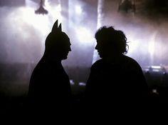 Tim Burton and Michael Keaton on the set of the original Batman. This one was my favorite Batman. Scene Photo, Movie Photo, Bts Photo, Mad Movies, Great Movies, Backstage, Michael Keaton Batman, Tim Burton Batman, Johny Depp