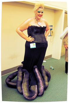 Ursula cosplay at San Diego Comic Con  - aha! Black pantyhose for the tenticles! (use dark stuffing though, yikes)