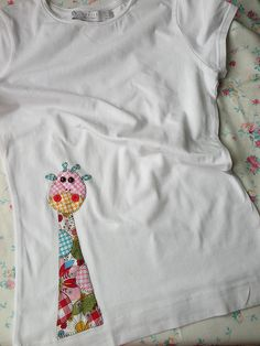 CAMISETA CON JIRAFA DOROTEA by el.gallinero, via Flickr