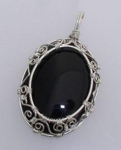 Onyx Oval Frame | JewelryLessons.com