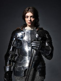 lorde as joan of arc by perou, the guardian weekend, june 26 2017 Female Armor, Female Knight, Inspiration Drawing, Character Inspiration, Character Art, Character Design, Armadura Medieval, Celebrity Photography, Portrait Photography