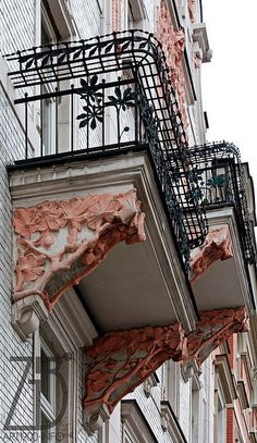 I used to live there for a while. Art Nouveau, Art Deco, Art And Architecture, Architecture Details, Balcony Design, Beautiful Places In The World, Central Europe, Krakow, Wall Treatments