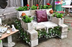 Ez Beton elnöke Planter | 29 Insanely Cool Backyard Furniture DIYs