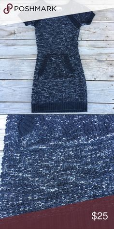 Black Sweater Dress Black/white cozy sweater dress with short sleeves & kangaroo pocket. Thin material. Brand new. NWOT (Not WHBM) • No Trades • 15% off of BUNDLES of 3 or more • White House Black Market Dresses