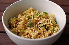 Chinakohlsalat mit Mie - Nudeln, ein schmackhaftes Rezept aus der Kategorie Snacks und kleine Gerichte. Bewertungen: 95. Durchschnitt: Ø 4,5.