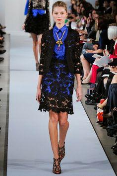 Oscar de la Renta New York - Pre-Spring 2013 - Shows - Vogue. Love Fashion, Spring Fashion, High Fashion, Fashion Show, Fashion Details, Haute Couture Style, Couture Fashion, Runway Fashion, Vogue