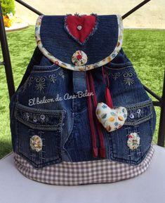 Best 12 Blue denim Backpack medium with beaded cornflowers – SkillOfKing. Denim Backpack, Denim Tote Bags, Denim Handbags, Diy Tote Bag, Jean Crafts, Denim Crafts, Reuse Jeans, Mochila Jeans, Crochet Pouch