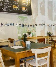 Bereits seit der vierten Generation ein Familienbetrieb: das Poshlust Deli in Berlin. Hier gibts leckere Sandwiches und Kaffee!