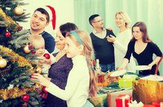 Kumppanin+suku+tulossa+kylään+joulun+aikaan?+Nämä+tavat+auttavat+selviämään+vierailusta