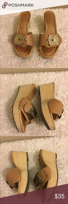 Scholl's Original Collection Tan Wedges Dr. Scholl's Original Collection Tan wedges Size 6 Signature buckle Adjustable buckle Wood wedge Dr. Tan Wedges, Wedge Shoes, The Originals, Sandals, Best Deals, Wood, Womens Fashion, Closet, Collection