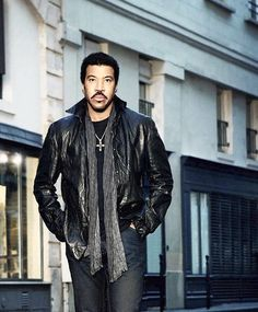 Lionel Richie Announces 2014 All Night Long Summer Tour Dates Music Icon, Music Tv, Lionel Richie Music, American Falls, Old School Music, We Are The World, Pop Singers, My Favorite Music, Music Artists