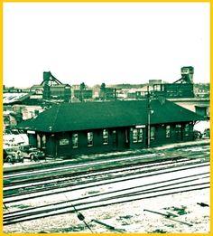 YORK, Ontario - Grand Trunk-Canadian National Railway station - photo 1953 TPL_edited