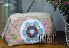 Lunch Box, Quilts, Quilt Sets, Bento Box, Log Cabin Quilts, Quilting, Quilt, Afghans