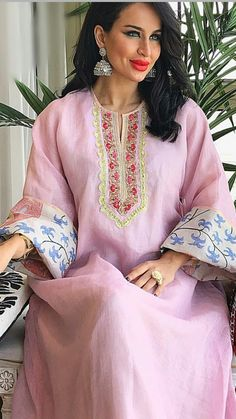Arab Fashion, India Fashion, Muslim Fashion, African Fashion, Womens Fashion, Caftan Dress, Kaftan Style, Kaftan Designs, Mode Abaya