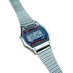 Komunijna klasyka vintage z lat 80. Zegarek posiada jeszcze folię na szkiełku (widać bąbelek na…