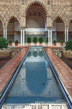 Patio del Alcazar de Sevilla by MViejoPhoto on 500px