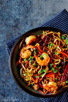 Indo-Chinese style Hakka Noodles with fresh shrimp and colorful vegetables: an easy and delicious stir fry dish.