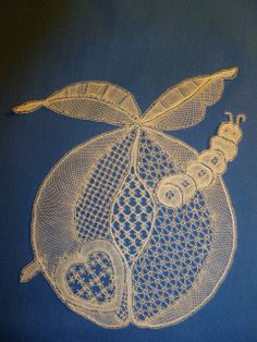 Honiton Lace by Pauline Cochrane Teneriffe, Bobbin Lacemaking, Types Of Lace, Bobbin Lace Patterns, Lace Heart, Point Lace, Lace Jewelry, Linens And Lace, Needle Lace