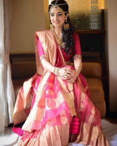 There is nothing prettier that an elegant banarasi saree. But have you ever seen gorgeous banarasi wedding outfits? You're going to love these lehengas. Bridal Lehenga, Saree Wedding, Wedding Lehanga, Indian Attire, Indian Wear, Indian Dresses, Indian Outfits, Indian Clothes, Banarasi Lehenga