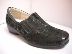 1 Cassini Maloree - Wga - Cassini Maloree Casual comfort with front zip detail. Available in Clover/Black and Black Lizard. heel height with elasticated gusset. Dress Up, Dress Shoes, Walking Shoes, Winter Wardrobe, Different Styles, Casual Shoes, Oxford Shoes, Loafers, Range