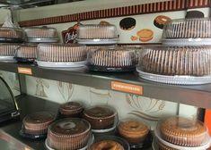 como abrir uma fábrica de bolos Kitchen Appliances, Bernardo, 1, Pastry Shop, Sprinkles, Sweets, Cake Business, Boyfriend Gifts, Orange Crush Cake
