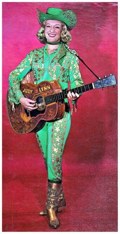 Judy Lynn, 1965 Judy Lynn Kelly, who performed as Judy Lynn and was born Judy Lynn Voiten, was an American country music singer and beauty queen (was crowned Miss Idaho in Vintage Western Wear, Vintage Cowgirl, Cowboy And Cowgirl, Vintage Ladies, Cow Girl, Gaucho, Kitsch, Western Costumes, Music Week