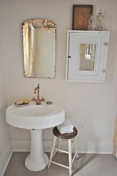 Vintage bathroom with copper faucet eclecticallyvintage.com Vintage Whites