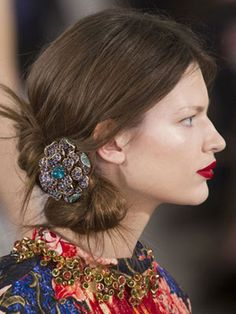 10 Hairstyles for Fine Hair: Chignons