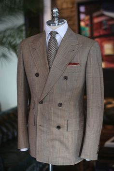 Ermenegildo Zegna - Grey Herringbone Double Breasted Suit | Uomo ...