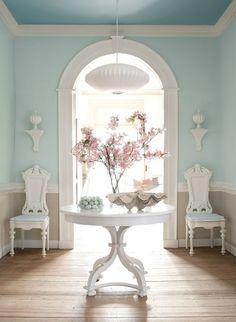 Abbinamenti colori fra pareti e mobili