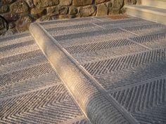Pavimenti e Cordonati in Pietra - chevron for outdoor Outdoor Tiles Floor, Outdoor Paving, Outdoor Flooring, Stone Flooring, Tile Floor, Floor Design, Patio Design, Exterior Design, Stone Cladding Texture