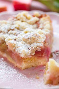 Crumble cake with rhubarb - www. - Baking - bake cacke Crumble cake with rhubarb - www. Cake Recipes, Dessert Recipes, Cook Desserts, Easter Desserts, Pastry Recipes, Cooking Recipes, Food Cakes, Easy Meals, Food And Drink