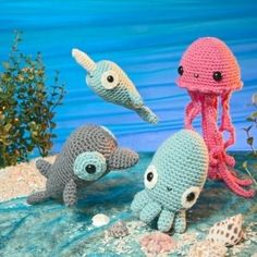Little crochet animals..... <3 i want the jellyfish or octopus!!!!!! SO BAD