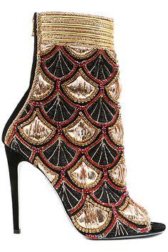Bottines Balmain - Impressive work of Art! Ankle Booties, Bootie Boots, Shoe Boots, Shoe Bag, Heeled Boots, Look Fashion, Fashion Shoes, Girl Fashion, Stilettos