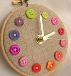 Perfect clock for a sewing room. Button and embroidery hoop clock. Would be cute with number buttons. Fun Crafts, Diy And Crafts, Crafts For Kids, Room Crafts, Creative Crafts, Stick Crafts, Craft Rooms, Button Art, Button Crafts