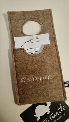 Handy-Zubehör - Handy Ladestation Recharging braun meliert - ein Designerstück von whiteturtle bei DaWanda