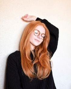 Read Julia Adamenko from the story Pelirrojas Para Tus Historias by toxic__xp (Eli) with reads. Red Hair And Glasses, Peach Hair, Strawberry Blonde Hair, Ginger Girls, Gorgeous Redhead, Redhead Girl, Beautiful Long Hair, Hair Looks, Girl Hairstyles