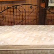 Day bed in perfect condition, sitting room or girl's room?!