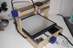 Dvd laser diode used to build a laser engraver cnc projects, graveur dvd, c Cnc Laser, Arduino Laser, Laser Cutter Engraver, Arduino Cnc, Arduino Programming, Linux, Machine Cnc, Laser Machine, Cutter Machine