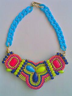 bello COLLAR BABERO (2) Bold Necklace, Cute Necklace, Textile Jewelry, Fabric Jewelry, Beaded Jewelry, Handmade Jewelry, Maxi Collar, Fabric Necklace, Crochet Bracelet