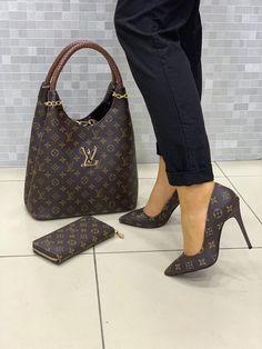 ladies louis vuitton sets comes with handbag, wallet, shoes cream or dk brown shoe size 9 Louis Vuitton Luggage Set, Louis Vuitton Handbags Crossbody, Louis Vuitton Shoes, Lv Handbags, Vuitton Bag, Luis Vuitton Backpack, Crossbody Bag, Marca Louis Vuitton, Louis Vuitton Designer