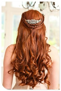 Very pretty hair... would it look good with shorter hair? Maybe with less curls