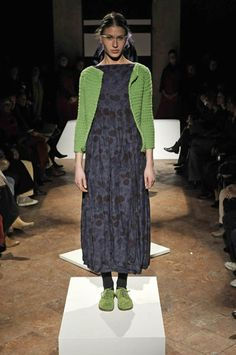 Daniela Gregis - Ready-to-Wear - Runway Collection - Women Fall / Winter 2008 Beautiful Outfits, Cool Outfits, Boho Fashion, Womens Fashion, Fashion Design, Inspiration Mode, Look Chic, Pulls, Passion For Fashion