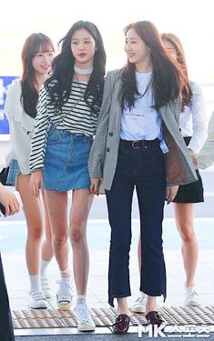(Credits to the real owner/s) Fashion Idol, Daily Fashion, Girl Fashion, Fashion Outfits, Female Fashion, Korean Fashion Kpop, Korean Outfits, Asian Fashion, Korean Casual