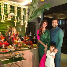 "The saree looks graceful at any function, Shilpa Shetty Kundra wore this amazing pink and dark green sari on the occasion of Ganesh Chaturthy which she says is ""The most comfy sari I've worn"". Allow us to help you find yours"