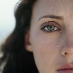 Negative emotions can lead to rash behaviors and bad decisions during the divorce process. Therapy can be a good solution to find support and to manage negative emotions during divorce. Fix You Coldplay, Complicated Grief, Losing A Baby, Stopping Breastfeeding, Divorce Process, Abusive Relationship, Relationships, Relationship Advice, Stress